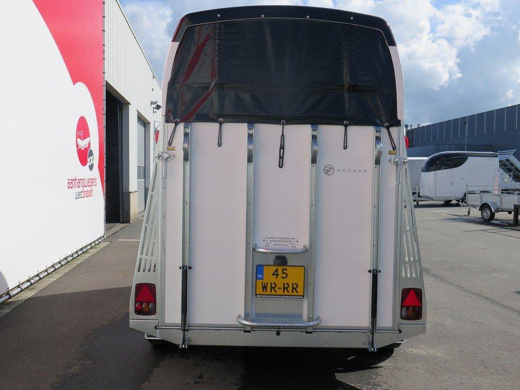 Bucker Careliner M poly 2 paards paardentrailer Aanhangwagens XXL West Brabant 4.0 achter dicht