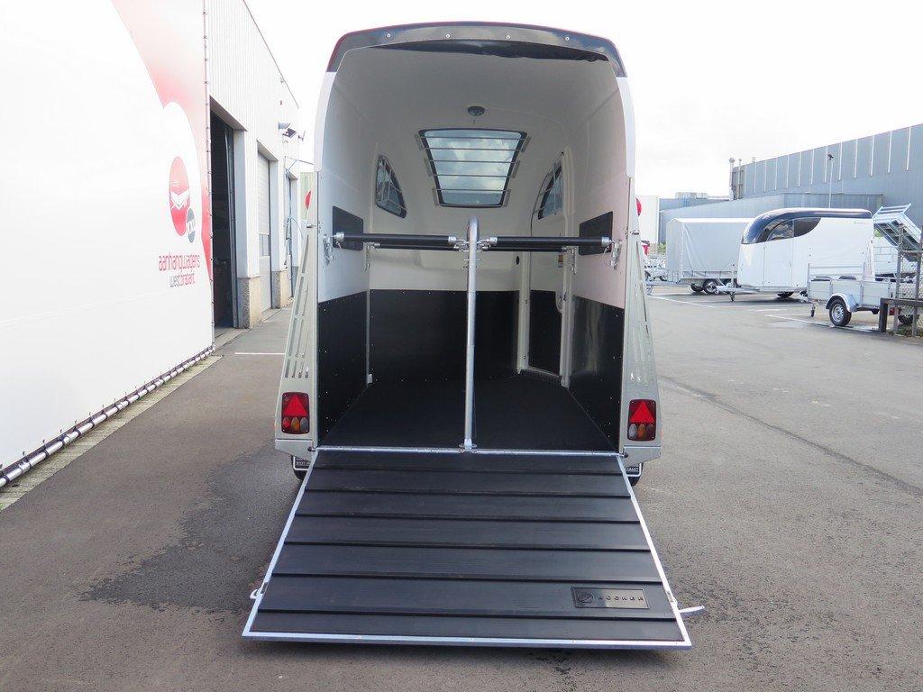 Bucker Careliner M poly 2 paards paardentrailer Aanhangwagens XXL West Brabant 4.0 achter open