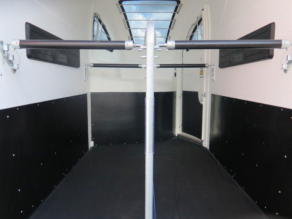Bucker Careliner M poly 2 paards paardentrailer Aanhangwagens XXL West Brabant 4.0 trapbescherming