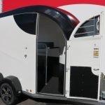 Bucker Careliner M poly 2 paards paardentrailer Aanhangwagens XXL West Brabant 4.0 verzorgingsdeur