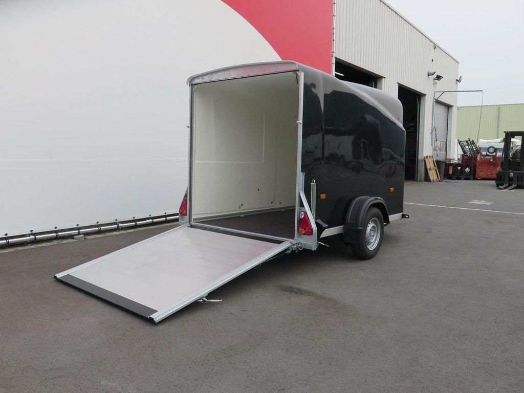Easyline gesloten aanhanger 300x151x170cm 1300kg zwart Aanhangwagens XXL West Brabant 4.0 achterklep Aanhangwagens XXL West Brabant