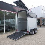 Henra alu 1,5 paards trailer paardentrailers Aanhangwagens XXL West Brabant zijkant geopend
