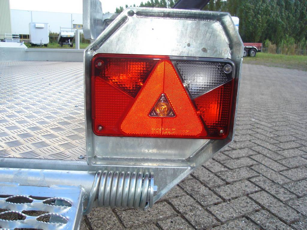 Hulco machinetransporter 394x180cm 3000kg Aanhangwagens XXL West Brabant verlichting Aanhangwagens XXL West Brabant