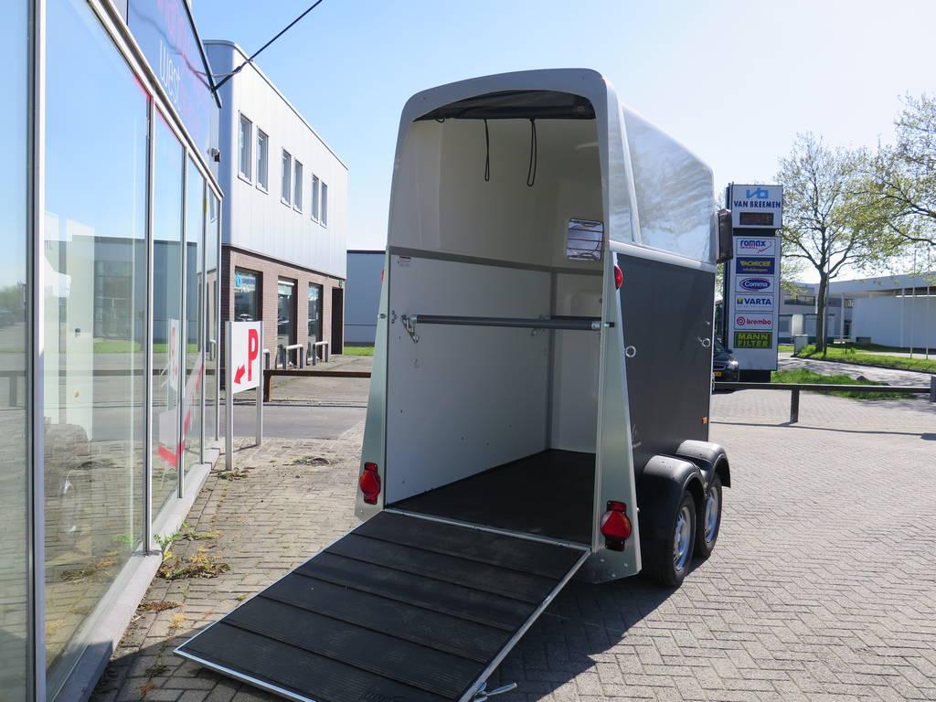 Humbaur Single plywood 1,5 paards trailer paardentrailers Aanhangwagens XXL West Brabant oploopklep Aanhangwagens XXL West Brabant
