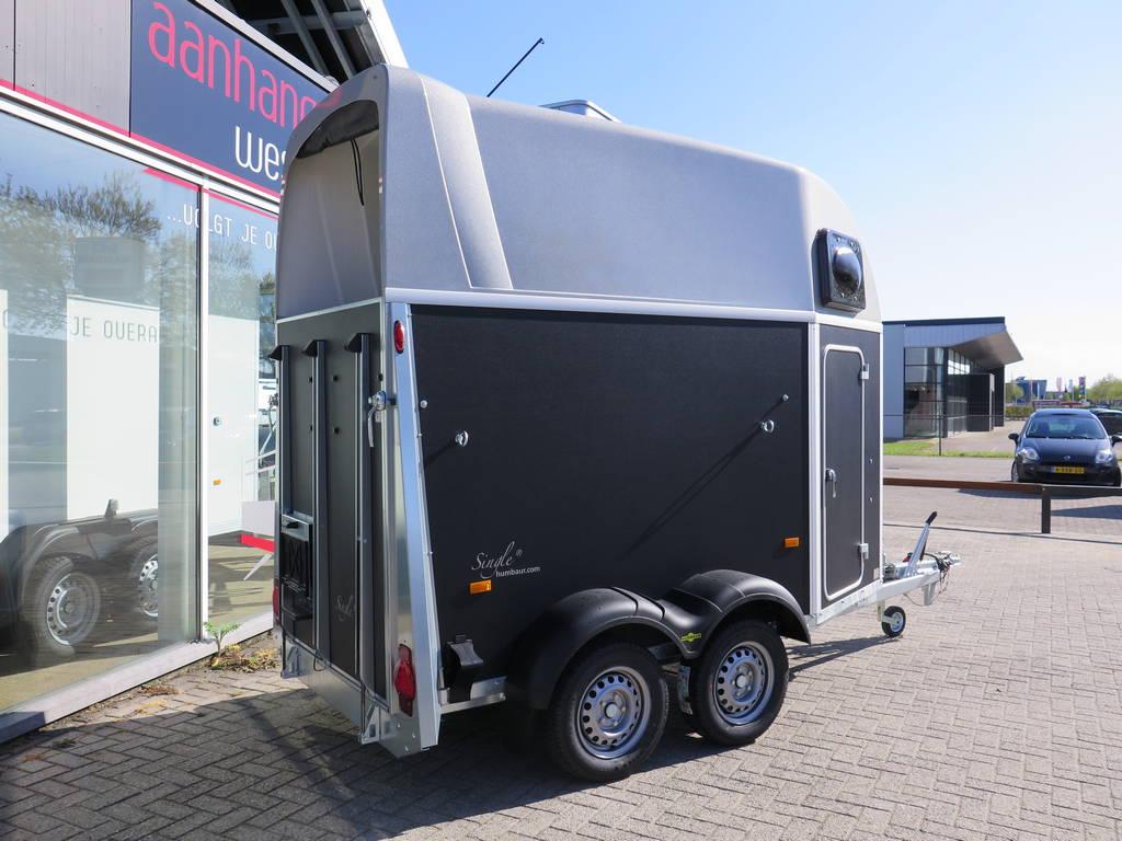 Humbaur Single plywood 1,5 paards trailer paardentrailers Aanhangwagens XXL West Brabant overzicht Aanhangwagens XXL West Brabant
