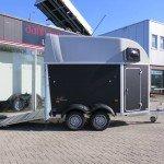 Humbaur Single plywood 1,5 paards trailer paardentrailers Aanhangwagens XXL West Brabant zijkant geopend Aanhangwagens XXL West Brabant