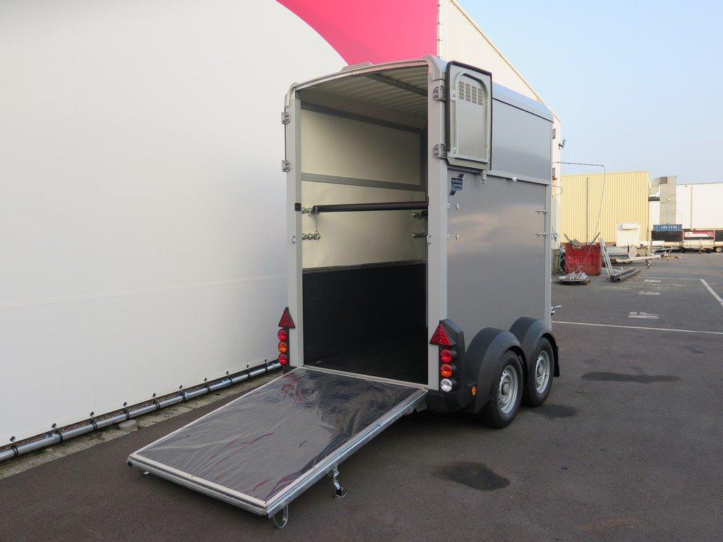 Ifor Williams HB403 1,5 paards paardentrailer Aanhangwagens XXL West Brabant 2.0 oploopklep Aanhangwagens XXL West Brabant