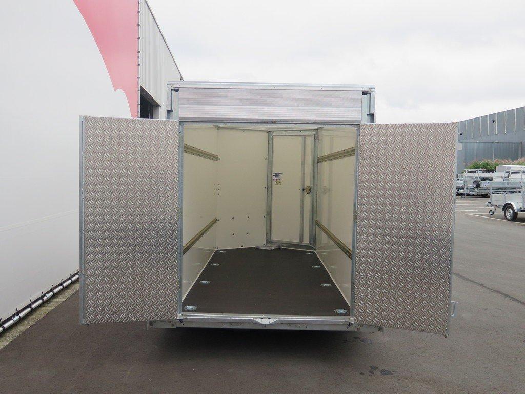 Ifor Williams gesloten aanhanger 303x147x183cm 2700kg Aanhangwagens XXL West Brabant 2.0 achter open deuren Aanhangwagens XXL West Brabant