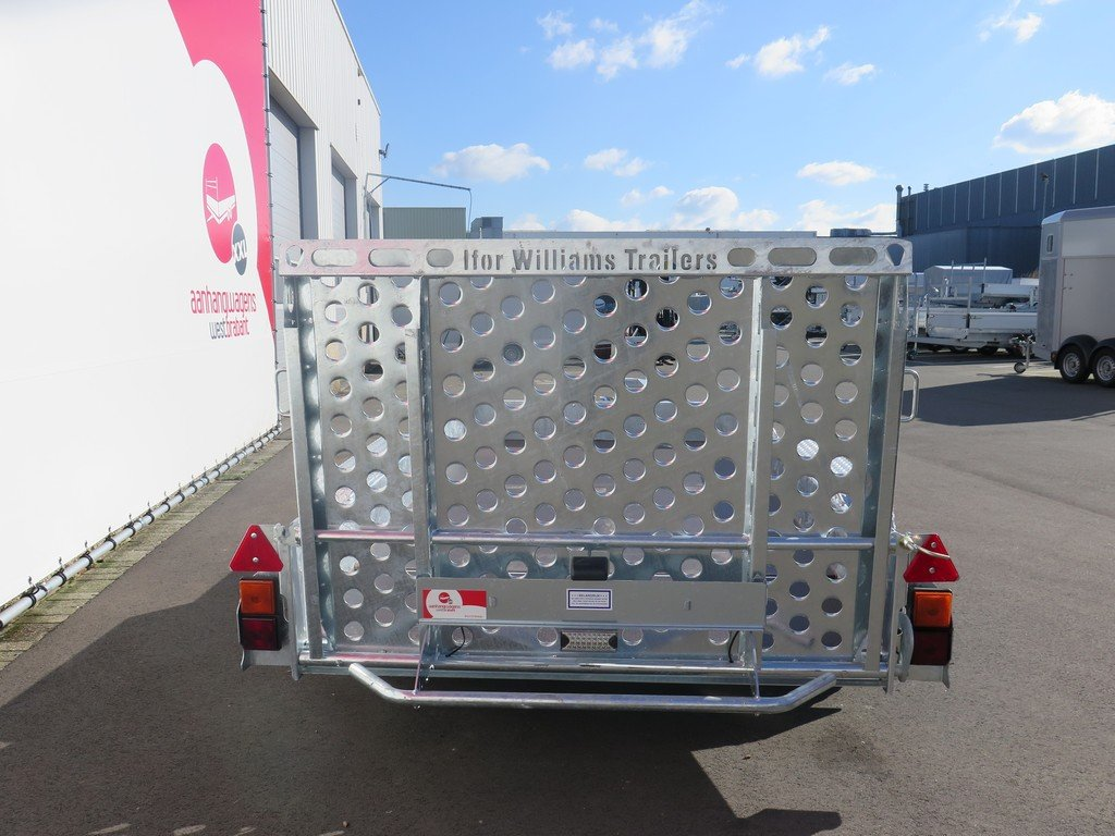 Ifor Williams machinetransporter 304x162cm 3500kg Aanhangwagens XXL West Brabant 3.0 achter dicht Aanhangwagens XXL West Brabant