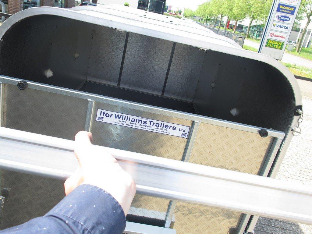 Ifor Williams veetrailer 221x121x112cm Aanhangwagens XXL West Brabant 2.0 openen Aanhangwagens XXL West Brabant