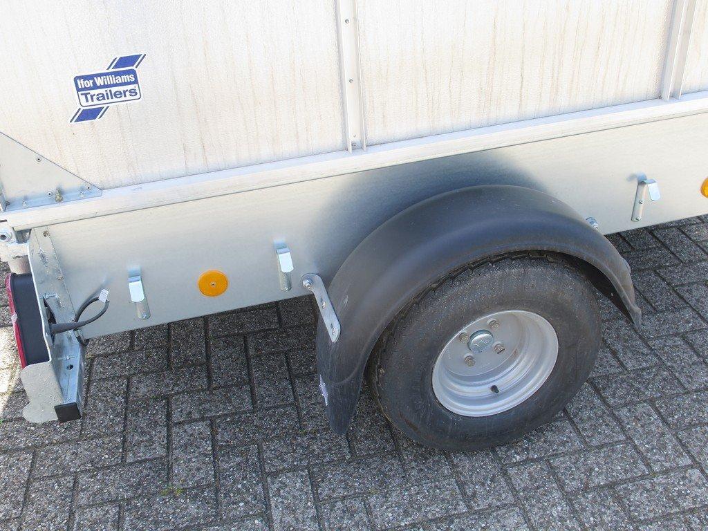 Ifor Williams veetrailer 221x121x112cm Aanhangwagens XXL West Brabant 2.0 zijkant Aanhangwagens XXL West Brabant