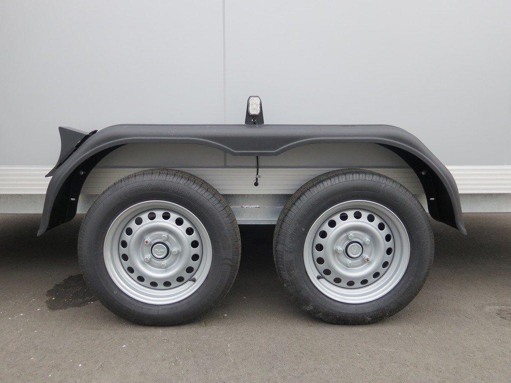Proline gesloten aanhanger 425x175x190cm 2600kg Aanhangwagens XXL West Brabant tandemas
