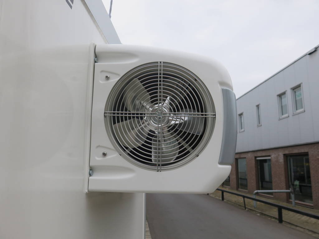 Proline koelaanhanger 400x175x180cm koelaanhangwagens Aanhangwagens XXL West Brabant koelmotor zijkant 2.0