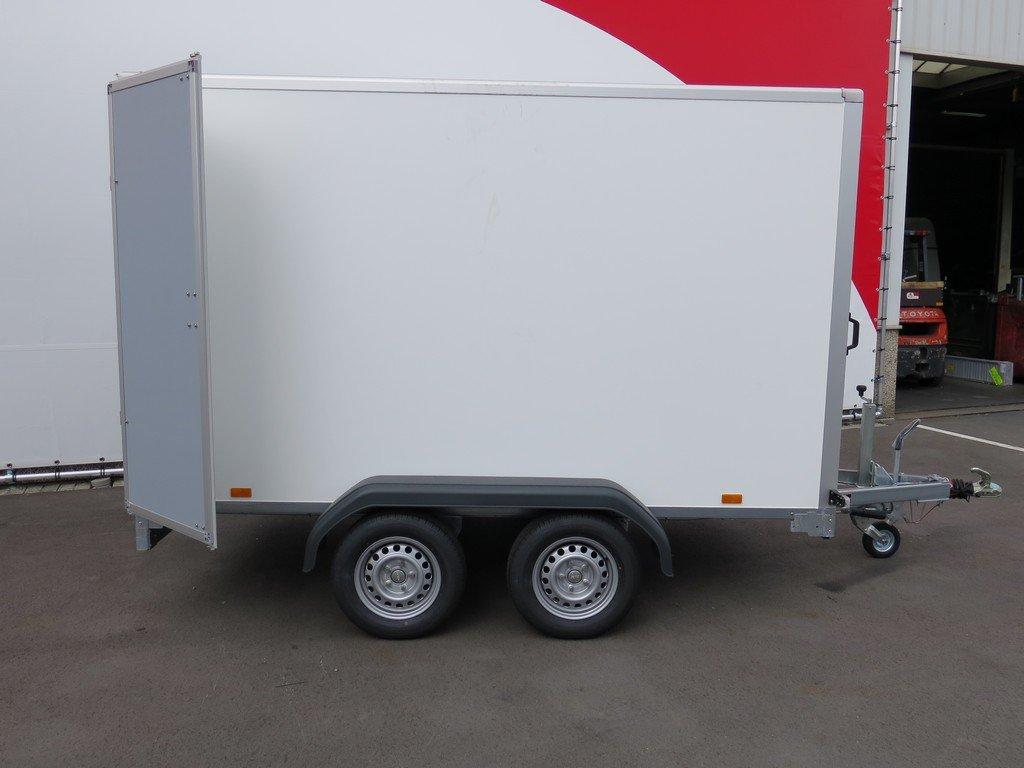Saris gesloten aanhanger 306x154x180cm 2000kg Aanhangwagens XXL West Brabant 2.0 zijkant