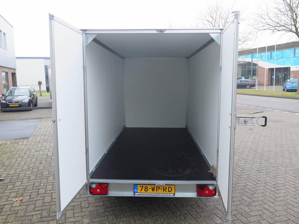 Saris gesloten aanhanger 356x169x180cm 2700kg Saris gesloten aanhanger 356x169x180cm 2700kg Aanhangwagens XXL West Brabant 3.0 binnenkant