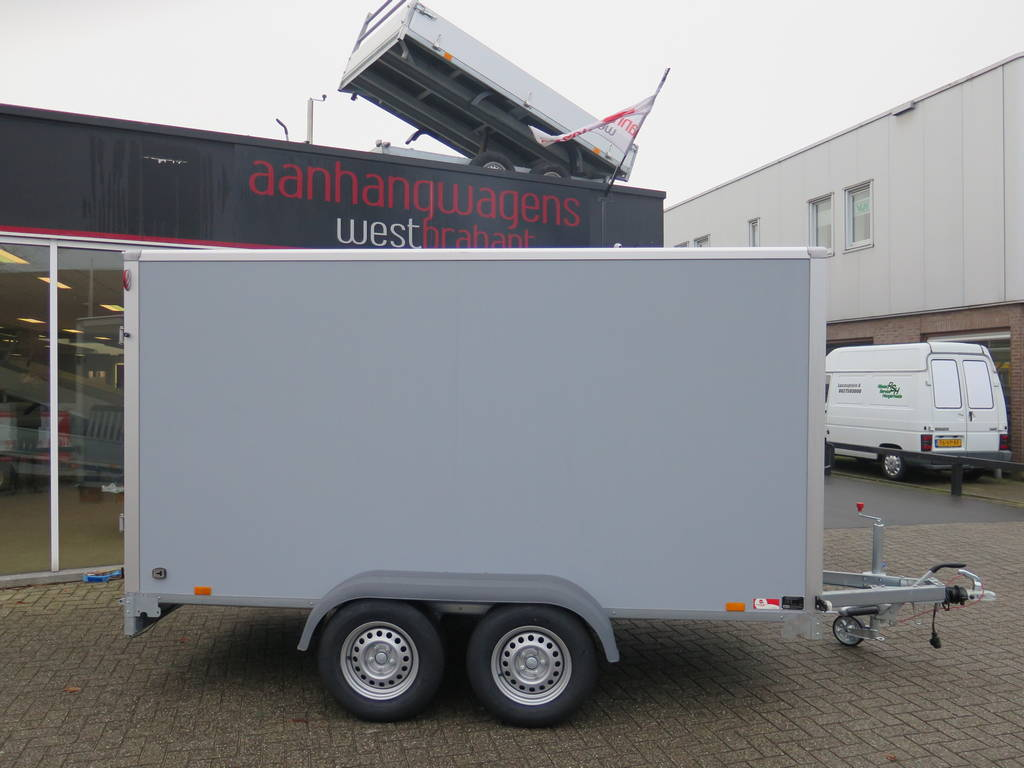 Saris gesloten aanhanger 356x169x180cm 2700kg Saris gesloten aanhanger 356x169x180cm 2700kg Aanhangwagens XXL West Brabant 3.0 grijs