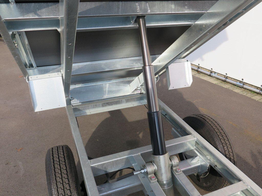 Saris kipper 255x135cm 1400kg Aanhangwagens XXL West Brabant 2.0 cilinder