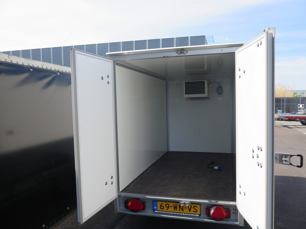 Verhuur 3B. 1300kg koelwagen 250x130x150cm Aanhangwagens XXL West Brabant 2.0 achter open