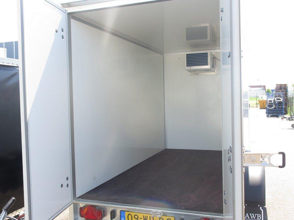 Verhuur 8. 8m3 koelwagen 300x146x180cm Aanhangwagens XXL West Brabant achter open