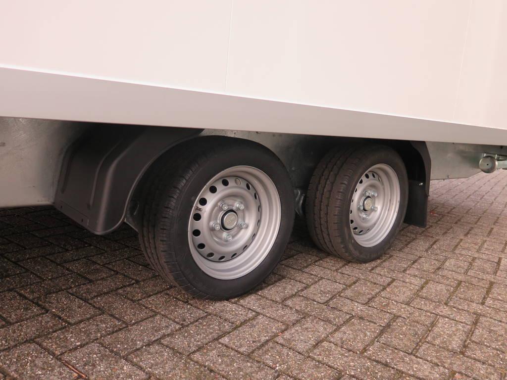 Proline gesloten 501x201x200cm 2500kg gesloten aanhangwagen Aanhangwagens XXL West Brabant dubbelas 2.0