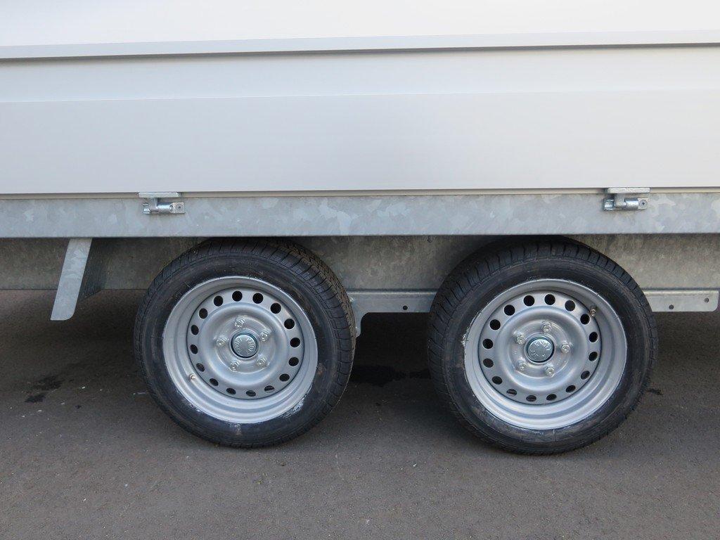 Proline plateauwagen 351x185cm 2000kg Proline plateauwagen 351x185cm 2000kg Aanhangwagens XXL West Brabant 3.0 tandemas
