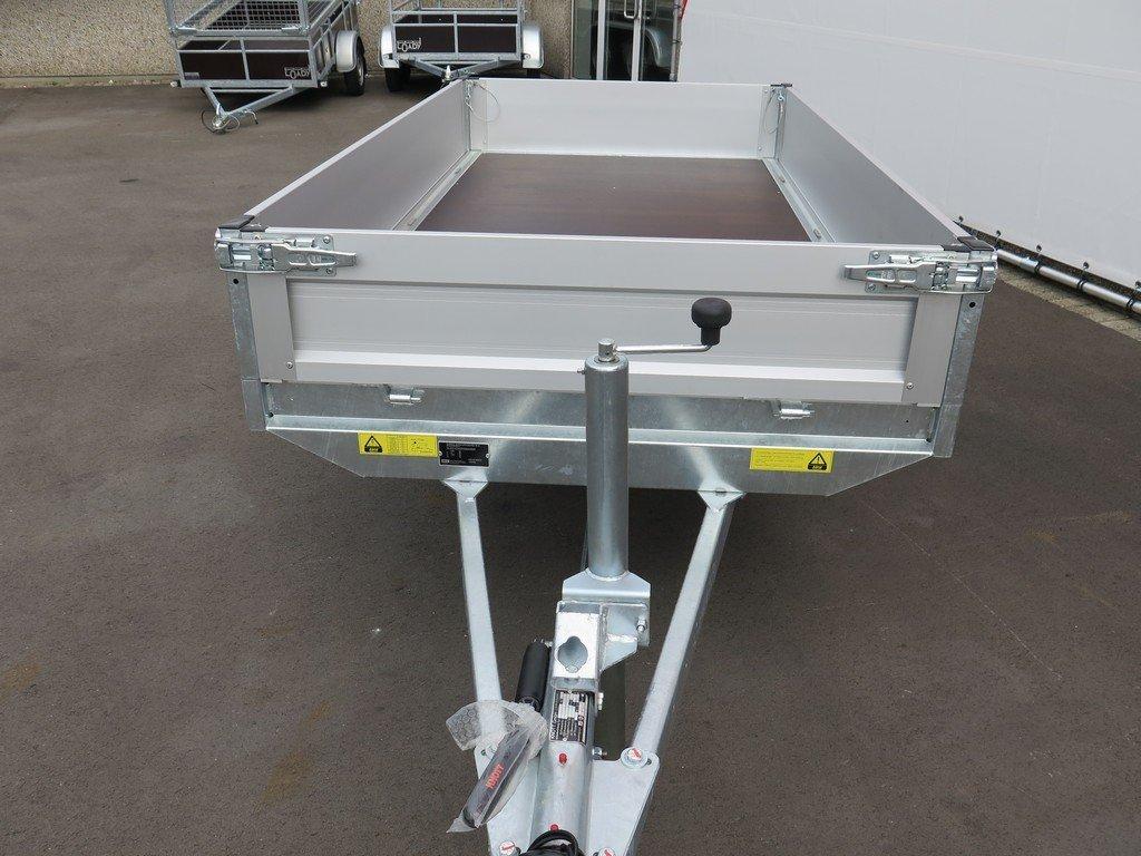 Saris plateauwagen 256x150cm 1500kg Saris plateauwagen 255x135cm 1400kg Aanhangwagens XXL West Brabant 3.0 voorkant