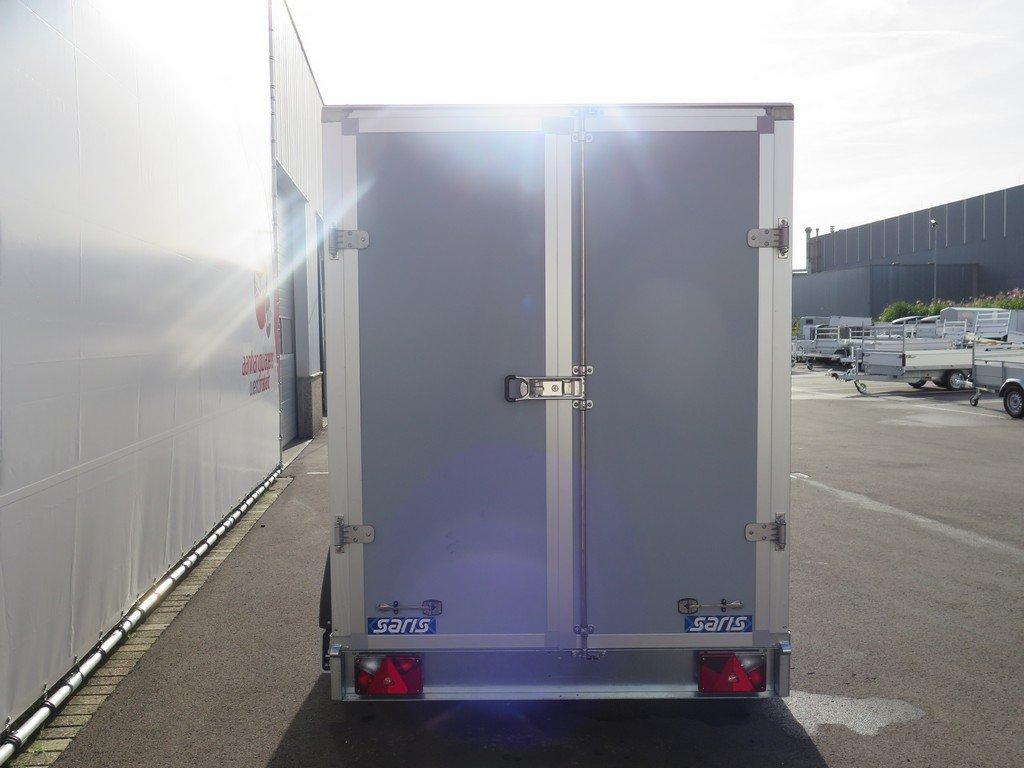 Saris gesloten aanhanger 306x154x180cm 2000kg grijs Aanhangwagens XXL West Brabant 2.0 achter dicht
