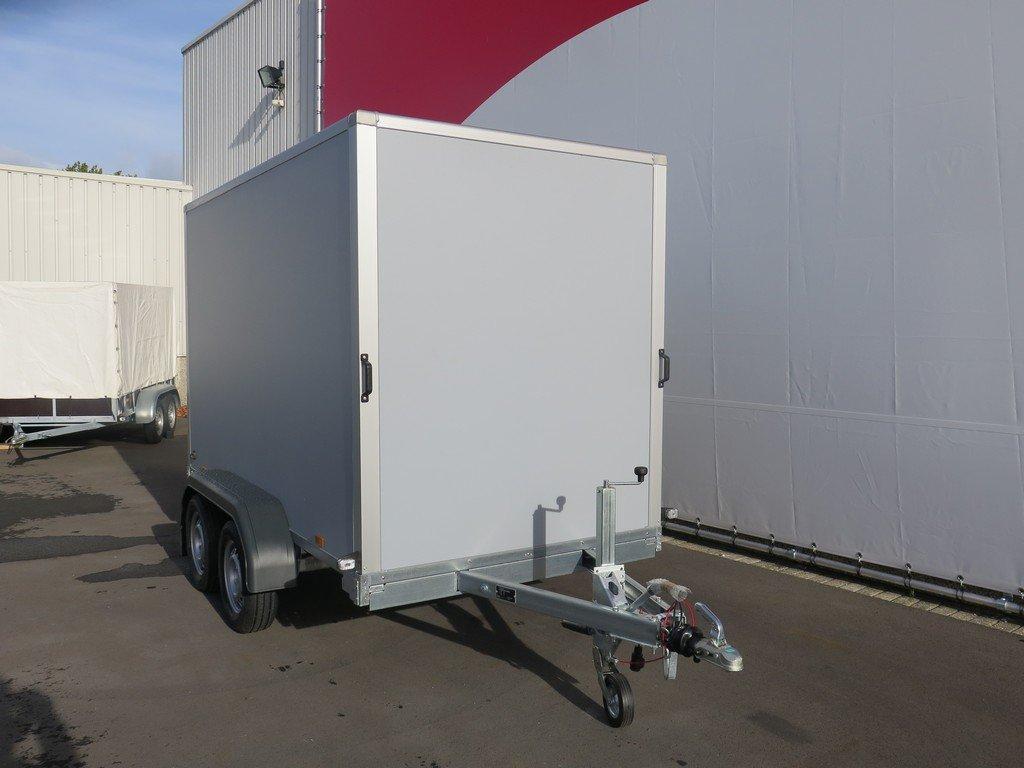 Saris gesloten aanhanger 306x154x180cm 2000kg grijs Aanhangwagens XXL West Brabant 2.0 voorkant