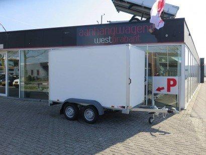 Saris gesloten 306x154x180cm met klep Aanhangwagens XXL West Brabant hoofd