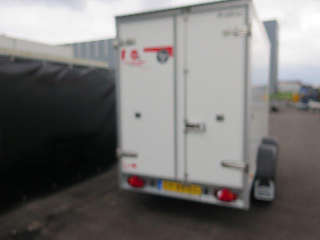 Verhuur 7. 8m3 koelwagen 300x146x180cm Aanhangwagens XXL West Brabant 2.0 achter dicht