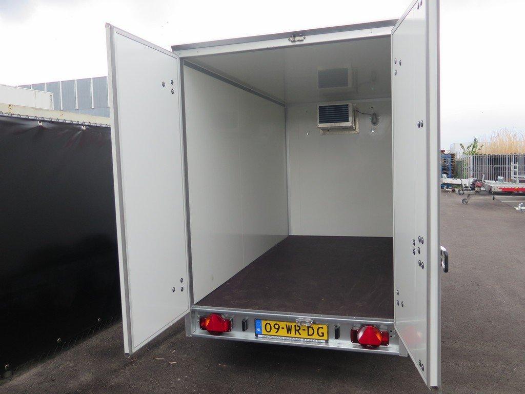 Verhuur 7. 8m3 koelwagen 300x146x180cm Aanhangwagens XXL West Brabant 2.0 achter open