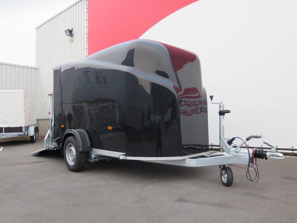Easyline motortrailer 300x151x170cm 1300kg gesloten Aanhangwagens XXL West Brabant 2.0 zijkant Aanhangwagens XXL West Brabant