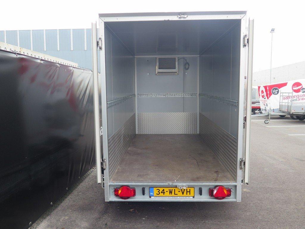 Verhuur 6. 8m3 koelwagen 300x146x180cm Aanhangwagens XXL West Brabant achterkant