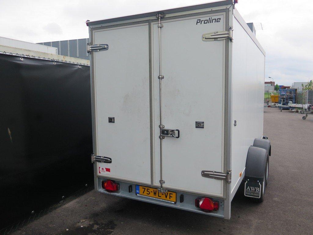 Verhuur 9. 12m3 koelwagen 350x160x180cm Aanhangwagens XXL West Brabant achter dicht