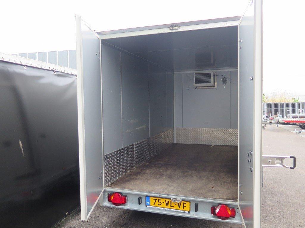 Verhuur 9. 12m3 koelwagen 350x160x180cm Aanhangwagens XXL West Brabant achter open