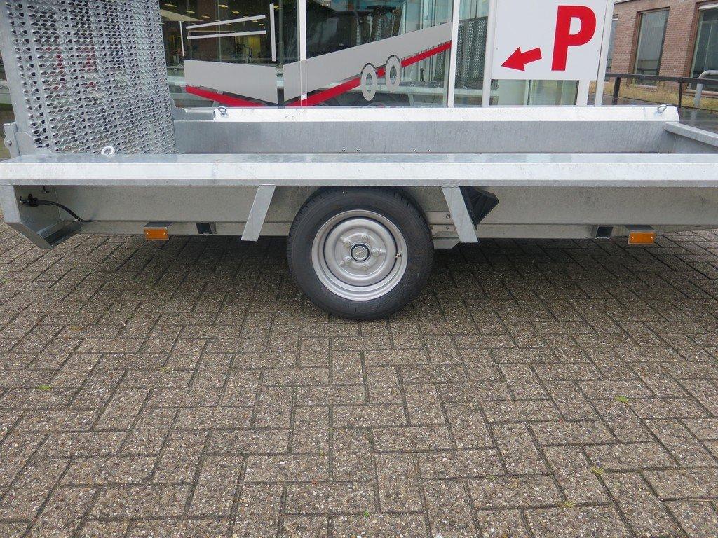 Hulco machinetransporter 300x150cm 1800kg Basic Aanhangwagens XXL West Brabant 2.0 zijkant Aanhangwagens XXL West Brabant