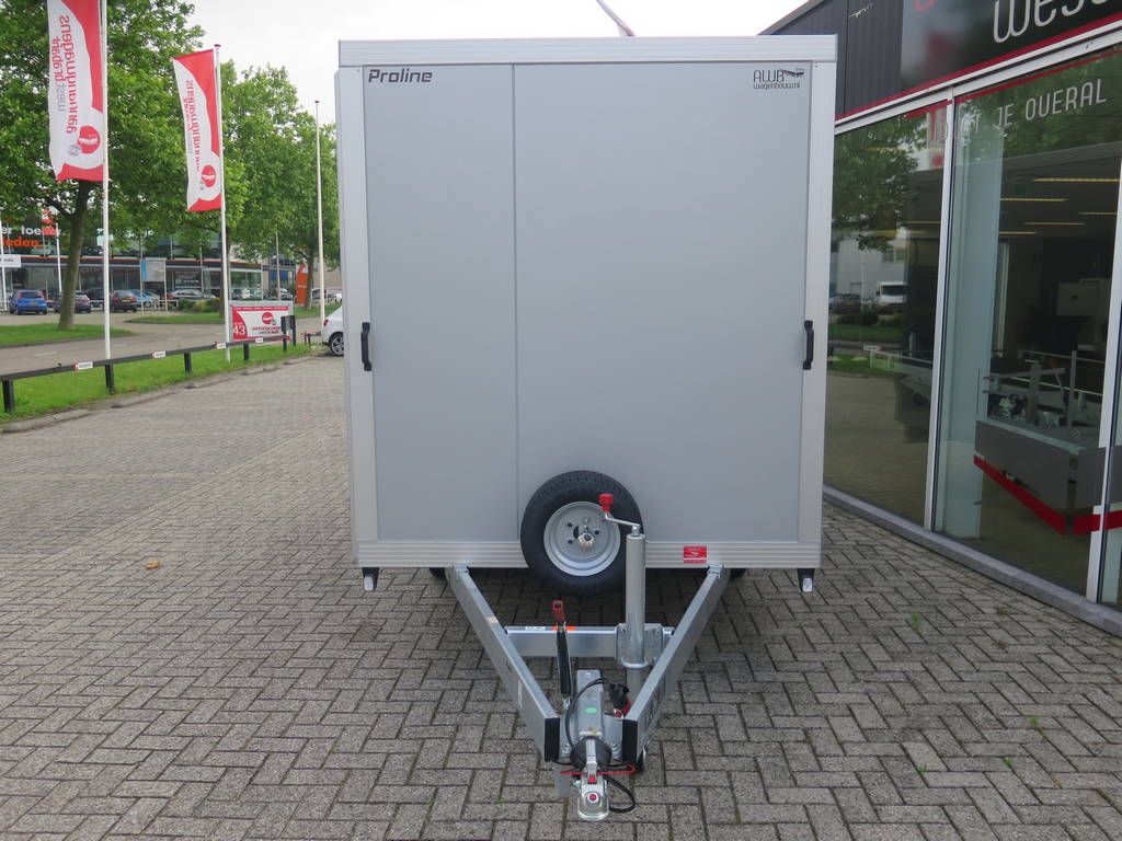 Proline gesloten aanhanger 365x175x190cm 3000kg Aanhangwagens XXL West Brabant voorkant Aanhangwagens XXL West Brabant