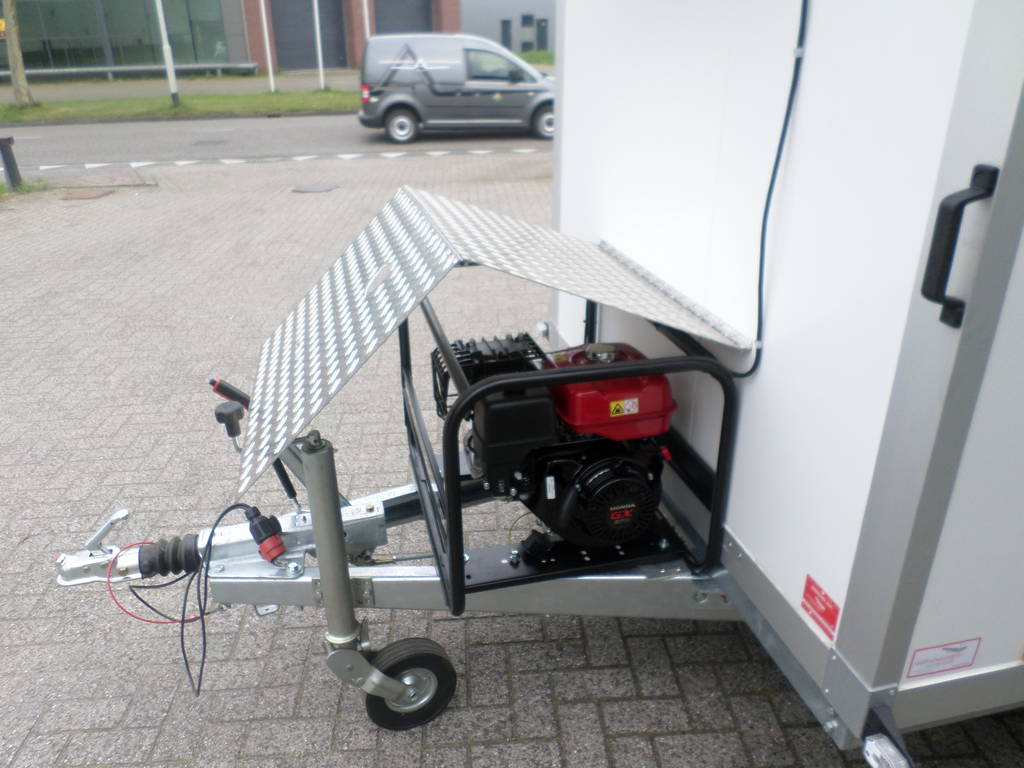 Proline koelaanhanger 300x146x180cm 2500kg met stroomvoorziening Proline koelwagen met stroomvoorziening Aanhangwagens XXL West Brabant aggregaat
