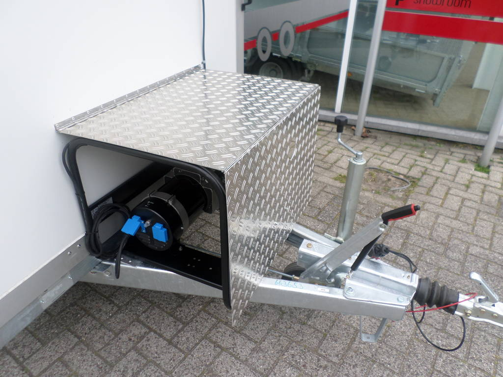 Proline koelaanhanger 300x146x180cm 2500kg met stroomvoorziening Proline koelwagen met stroomvoorziening Aanhangwagens XXL West Brabant compleet