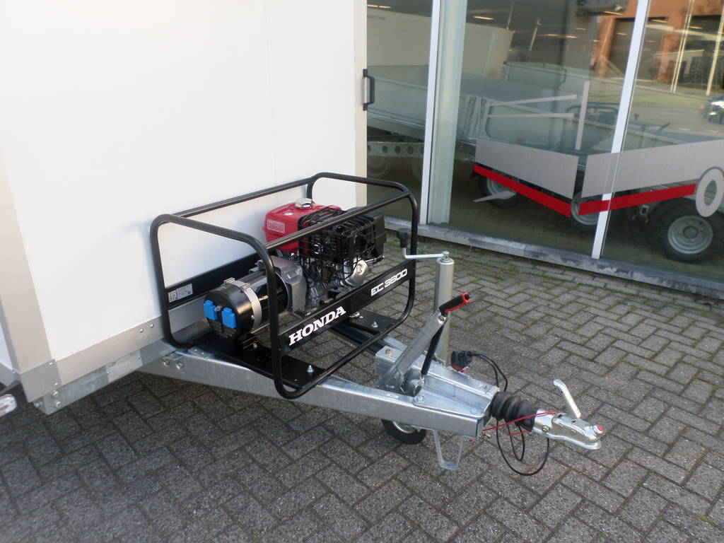 Proline koelaanhanger 300x146x180cm 2500kg met stroomvoorziening Proline koelwagen met stroomvoorziening Aanhangwagens XXL West Brabant generator
