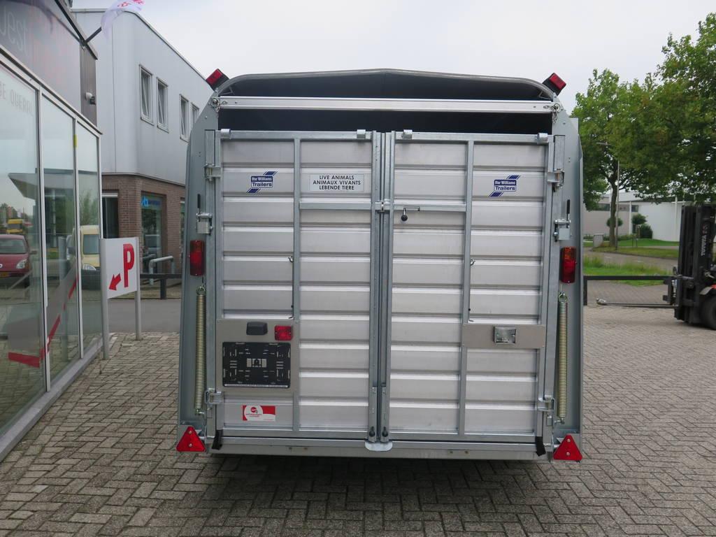 Ifor Williams veetrailer 366x178x183cm klep deur systeem veetrailers Aanhangwagens XXL West Brabant achterkant gesloten Aanhangwagens XXL West Brabant