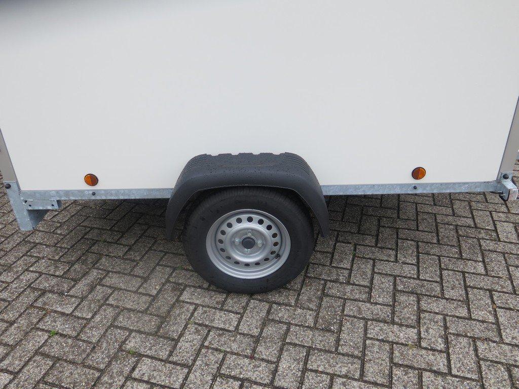 Easyline gesloten aanhanger 200x125x150cm 750kg Aanhangwagens XXL West Brabant zijkant Aanhangwagens XXL West Brabant
