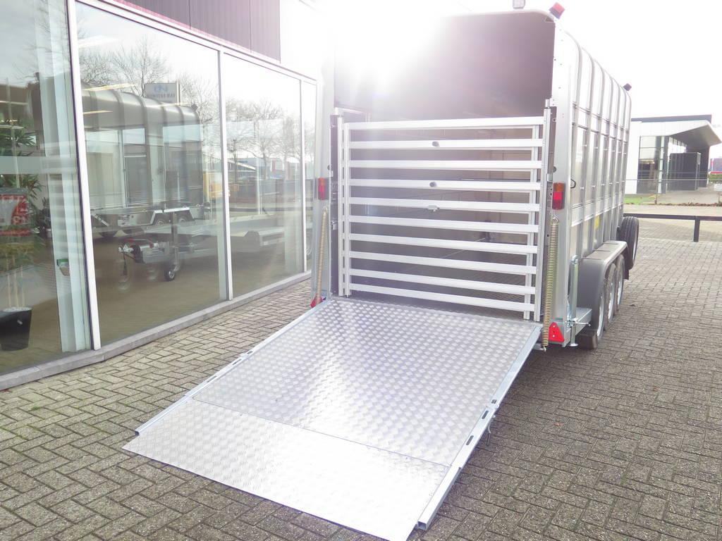 ifor-williams-veetrailer-427x178x213cm-3-as-speciaalbouw-aanhangwagens-xxl-west-brabant-achterkant-hek Aanhangwagens XXL West Brabant