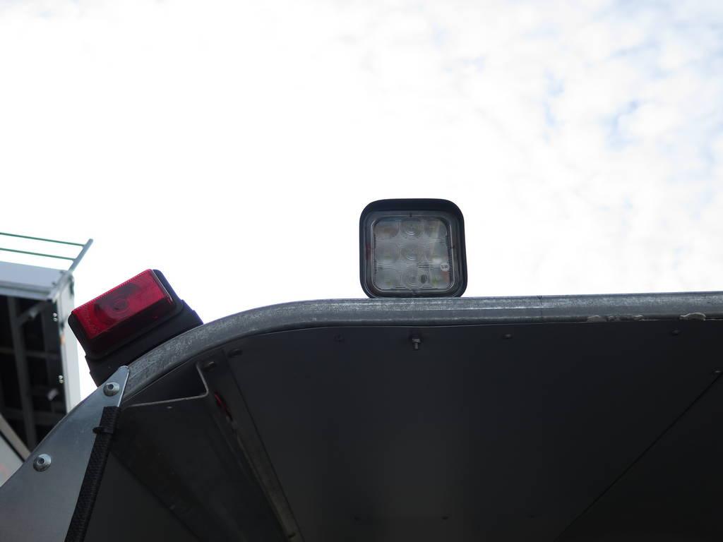 ifor-williams-veetrailer-427x178x213cm-3-as-speciaalbouw-aanhangwagens-xxl-west-brabant-verlichting