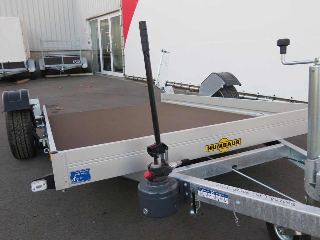 Humbaur motortrailer 280x175cm 1350kg zakbaar Humbaur motortrailer 280x175cm 1350kg zakbaar Aanhangwagens XXL West Brabant 2.0 handpomp