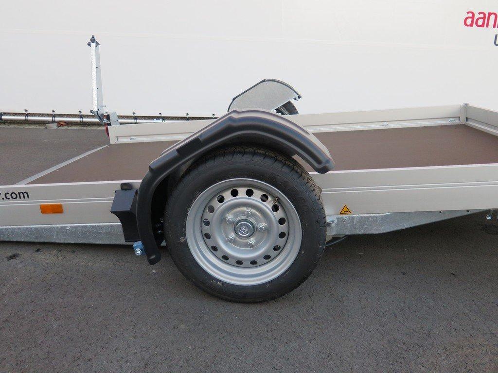 Humbaur motortrailer 280x175cm 1350kg zakbaar Aanhangwagens XXL West Brabant 2.0 zijkant gezakt