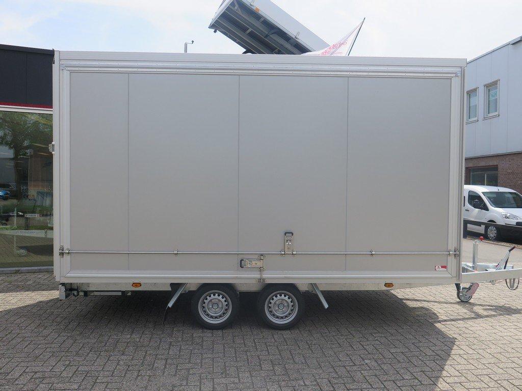 Proline gesloten aanhanger 425x204x230cm 2600kg Aanhangwagens XXL West Brabant zijkant Aanhangwagens XXL West Brabant