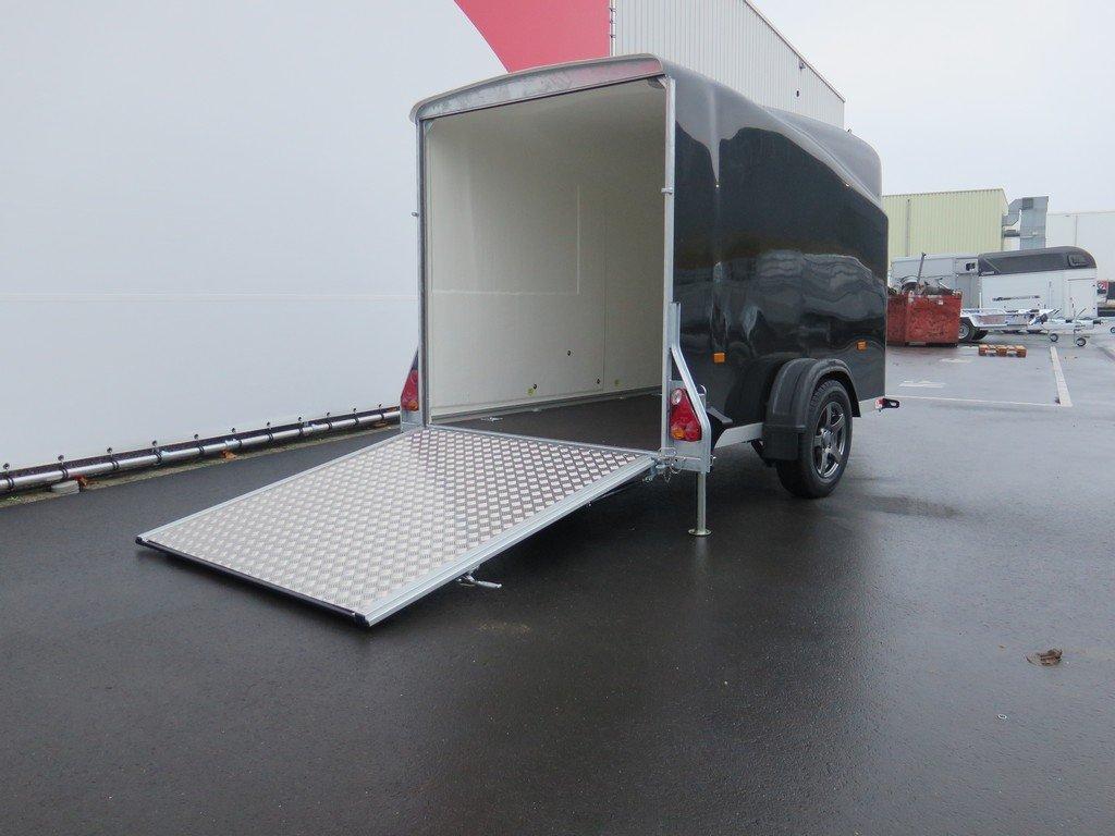 Maatwerk Easyline volpoly gesloten aanhanger Aanhangwagens XXL West Brabant oprijpklep Aanhangwagens XXL West Brabant