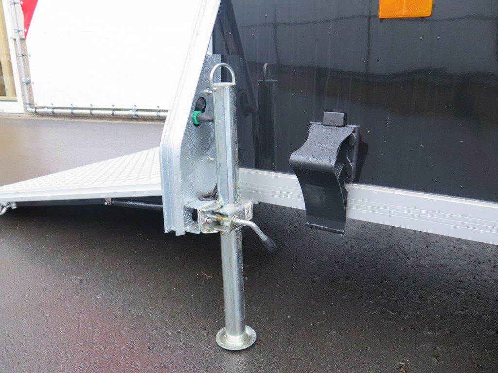 Maatwerk Easyline volpoly gesloten aanhanger Aanhangwagens XXL West Brabant steunpoten Aanhangwagens XXL West Brabant
