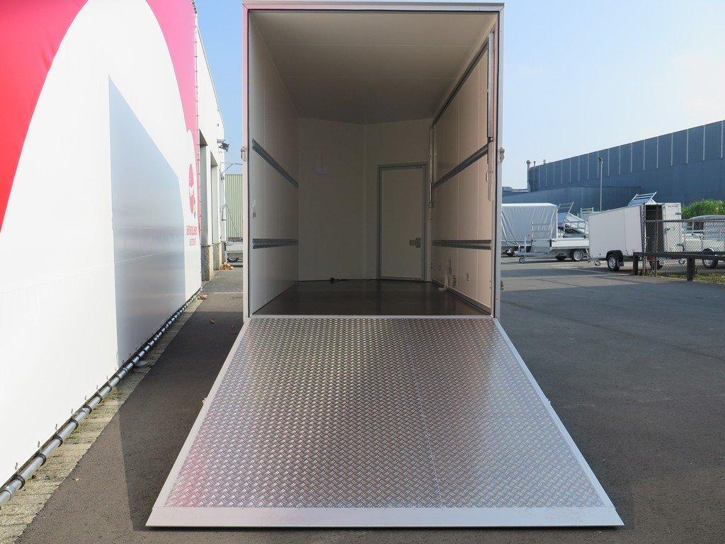 Proline gesloten aanhanger 425x204x250cm 3000kg Aanhangwagens XXL West Brabant achter open